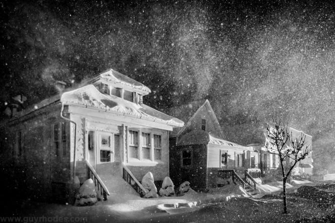 03_lit_snow