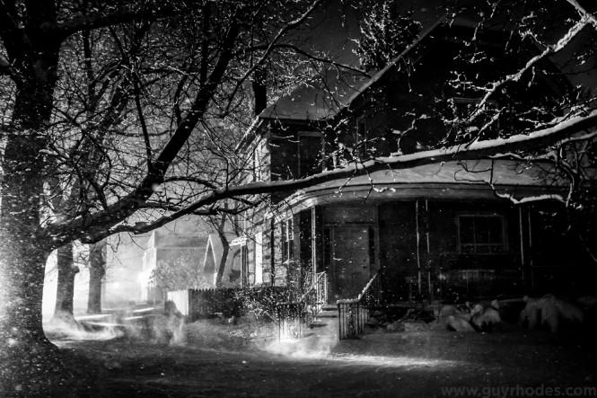 05_lit_snow
