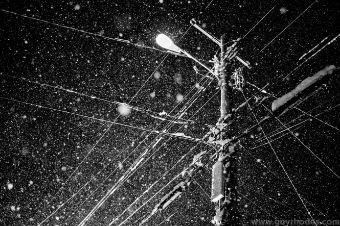 06_lit_snow