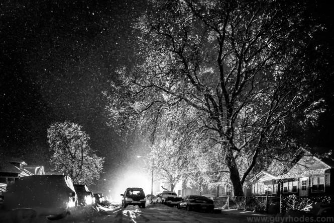 07_lit_snow
